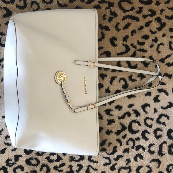 Michael Kors Handbags - Michael Kors white tote